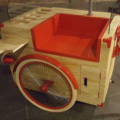 by - hailux_bikesfeitasamao Coffee Carts, Coffee Shop, Bicycle Cart, Food Cart Design, Mini Cafe, Bike Food, Ice Cream Cart, Hot Dog Cart, Café Bar