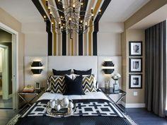 chambre à coucher moderne avec déco rayures/motif chevron et appliques murales liseuses en noir