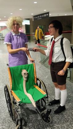Funny pictures about Cosplay Win. Oh, and cool pics about Cosplay Win. Also, Cosplay Win photos. Hallowen Costume, Halloween Cosplay, Reddit Halloween, Costume Ideas, Halloween Pictures, Couple Halloween, Awesome Halloween Costumes, Fröhliches Halloween, Spongebob Memes