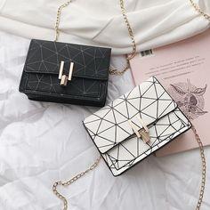 baca aja ya (=^・ェ・^=) #fiksiremaja # Fiksi remaja # amreading # books # wattpad Leather Wallet Pattern, Bag Women, Leather Bags Handmade, Girls Bags, Small Shoulder Bag, Cute Bags, Luxury Bags, Purses And Handbags, Clutch Bag