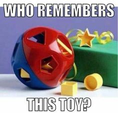 Shape Sorter, Tupperware toys, the yyounge kids had one. 90s Childhood, My Childhood Memories, Sweet Memories, Cherished Memories, Polly Pocket, Retro Toys, Vintage Toys, Jouets Fisher Price, Fisher Price Baby Toys