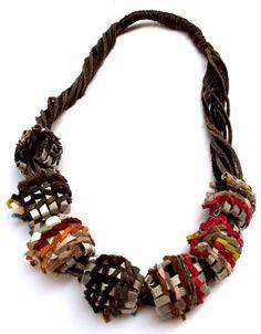 Collares colombianos, Pulseras, Aretes y Anillos en Cuero - Uandana, Accesorios y Bisutería colombiana en Cuero - Productos de Colombia