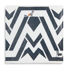This Tile is part of the Labyrinth Collection. The tiles of StoryTiles are of high quality, each tile is traditionally baked at 960 °C and made in Holland. The miniature stories on StoryTiles are all designed by Marga van Oers. The pieces of art are heat and water resistant, and the unique designs will last a lifetime. We ship the securely wrapped tiles …