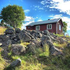 Exploring the Swedish Cabin culture of the Luleå archipelago islands. #visitluleå #visitsweden