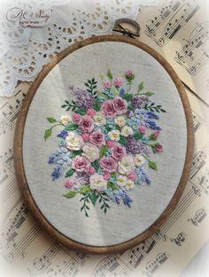 krásná výšivka Bullion Embroidery, French Knot Embroidery, Silk Ribbon Embroidery, Embroidery Hoop Art, Embroidery Stitches, Floral Embroidery Patterns, Hand Embroidery Designs, Brazilian Embroidery, Sewing Art