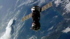 Tre nuovi astronauti hanno raggiunto la Stazione Spaziale Internazionale completando l'equipaggio della Expedition 49 La navicella spaziale Soyuz MS-02, partita circa due giorni fa dal cosmodromo di Baikonur, in Kazakistan, ha raggiunto la Stazione Spaziale Internazionale con a bordo tre nuovi membri dell'equipaggio. #expedition49 #nasa #roscosmos