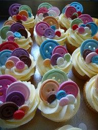 """going to make her these cupcakes in pink velvet with green frosting that says """"little, you're cute as a button!"""" Or maybe lalaloopsy themed cupcakes! Cupcakes Para Baby Shower, Beautiful Cakes, Amazing Cakes, Gorgeous Gorgeous, Mini Cakes, Cupcake Cakes, Fondant Cupcakes, Fondant Toppers, Cupcake Pics"""