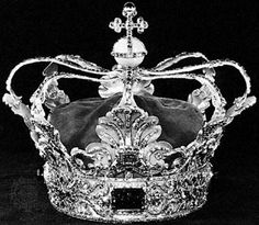 Pix For > Royalty Crown