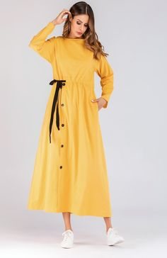 To find out about the Drawstring Waist Button Decoration Longline Dress at SHEIN, part of our latest Arabian Clothing ready to shop online today! Muslim Fashion, Hijab Fashion, Fashion Dresses, Fashion Fashion, Fashion Ideas, Vintage Fashion, Fall Dresses, Simple Dresses, Casual Dresses