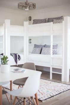 Built in bunk beds Corner Bunk Beds, Bunk Beds For Boys Room, Bunk Beds Built In, Bunk Beds With Storage, Modern Bunk Beds, Bunk Beds With Stairs, Cool Bunk Beds, Bunk Rooms, Kid Beds