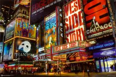 Times Square - Theater Viertel