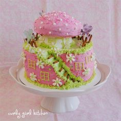 Curly Girl Kitchen: A Fairy Cake piped all in buttercream
