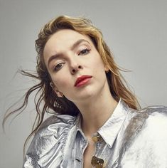 Killing Eve Star Jodie Comer in a Striking Fashion Shoot for Elle Magazine Parks, Perry Como, Sandra Oh, Jodie Comer, Elle Magazine, Straight Guys, Actor Model, Celebs, Celebrities