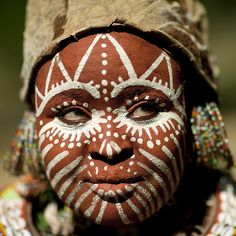 Africa Kikuyu woman with her face painted - Kenya.  © Eric Lafforgue.
