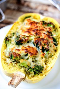Broccoli & Cheese Stuffed Spaghetti Squash is only 314 calories per servings, extremely delicious, and super easy to make! Add this to your healthy recipes list right now!