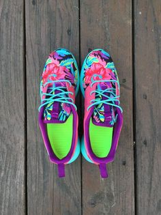 Custom Nike Roshe Run Hawaiian Floral by SKLCustomShoes on Etsy