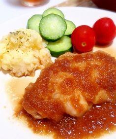 楽天が運営する楽天レシピ。ユーザーさんが投稿した「胸肉で柔らかしっとり♡鶏肉のソテーオニオンソース♡」のレシピページです。パサパサしがちな鶏胸肉を柔らかく変身♡オニオンソースはバターを加えて、コクのあるご飯が進む旨々な味です(*^^*)是非お試しください♡。鶏胸肉,◎玉ねぎ,◎酒,◎マヨネーズ,◎塩,△醤油,△みりん,△バター,△水,△生姜・にんにくチューブ