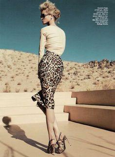 I want pretty: LOOK - Falda lápiz para oficina, si !!!!