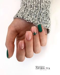 In look for some nail designs and some ideas for your nails? Here is our listing of must-try coffin acrylic nails for fashionable women. Bride Nails, Wedding Nails, Wedding Makeup, Green Nails, Pink Nails, Gradient Nails, Short Nail Designs, Nail Art Designs, Nails Design
