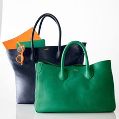 Elisabetta Slouch in Kelly Green - I want this beautiful green Mark & Graham bag!!!!