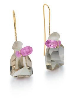 Annette Ehinger – boucles d'oreilles 2012 or 585, tourmaline rose, quartz enfumé