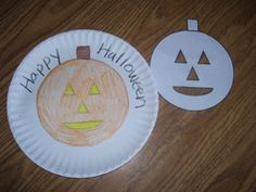 Halloween paper plate stencil  from Making Learning Fun.