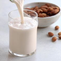 Here's how to make the BEST almond milk, using just 2 ingredients! This homemade version tastes so much better than store-bought, without any preservatives or additives, and you can customize the flavor however you like! How to Make Almond Milk Make Almond Milk, Almond Milk Recipes, Kefir Recipes, Homemade Almond Milk, Vegan Recipes, Is Almond Milk Healthy, Flour Recipes, Healthy Smoothies, Healthy Drinks