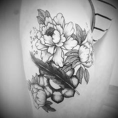 From today  Feather not by me.    #artist #blaeksmeden #dotworker #blackwork #blackworkers #dotworktattoo #dotwork #engravingtattoo #elektrisktatovering #finelinetattoo #graphictattoo #iblackwork #inked #instattoo #darkartists #tattooist #tattooartist #denmark #odense #geometrictattoo #patterntattoo #sketchtattoo #flowertattoo #peony #peonytattoo