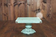 cute wedding cake stand(: vintage... Me Likey!