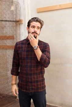 Flannel shirt with denim. Also, Learn 5 Different Ways to Style Your Flannel Shirt. Sharp Dressed Man, Well Dressed, Style Casual, Men Casual, Guy Style, Casual Trends, Style Blog, Black Jeans Outfit, Look Man