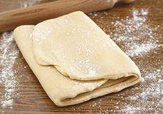 Un metodo abbastanza semplice per preparate a casa propria la Pasta sfoglia.