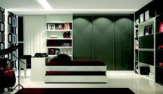Dormitório líneo têxtil e chumbo, com portas de correr.