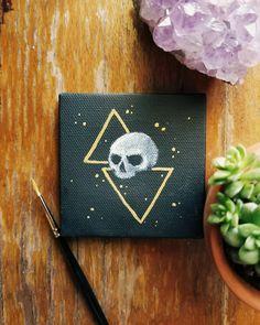 I painted a tiny skull on a tiny canvas. Easy Canvas Art, Small Canvas Art, Mini Canvas Art, Canvas Crafts, Black Canvas Paintings, Mini Paintings, Mini Tela, Hippie Painting, Art Projects