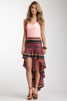 Very few of these Hi-Lo skirts look good or carry well but, this one is beautiful. Element Eden Martine Hi-Lo Skirt