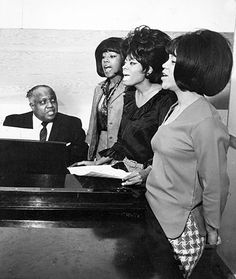 The Supremes with Motown's musical director, Maurice King (Jan. 14, 1965).