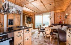 Architektenvilla mit atemberaubendem Panoramablick auf den Bodensee Kitchen Island, Kitchen Cabinets, Villa, Table, Furniture, Home Decor, Sous Sol, Living Dining Rooms, Underground Garage