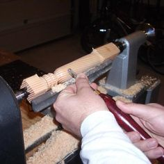 Learn the Basics of Woodturning: Woodturning a Spindle on a Lathe