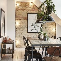 Spelding vintage dining room sets - Salle A Manger Dining Room Lighting, Dining Room Sets, Dining Room Design, Dining Room Table, Kitchen Lighting, Wall Lighting, Rustic Lighting, Interior Lighting, Lighting Ideas