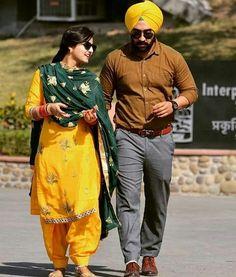 Nav jivan Sikh Wedding Dress, Punjabi Wedding Couple, Indian Wedding Couple Photography, Punjabi Couple, Wedding Photography Poses, Pre Wedding Photoshoot, Wedding Pics, Wedding Couples, Cute Couples