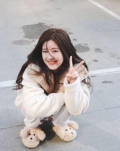 Girl Korea, Ulzzang Korean Girl, Asian Celebrities, Fashion Poses, Female Actresses, Chinese Actress, Wattpad, Manga Girl, New Girl