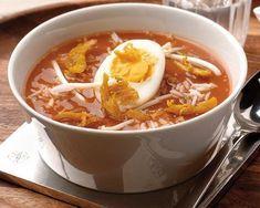 Soto ajam recept Asian Recipes, Healthy Recipes, Good Food, Yummy Food, Caldo, Exotic Food, Homemade Soup, Asian Cooking, No Cook Meals