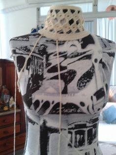 Vestido em crochê da estilista Vanessa Montoro no Instagram.    A estilista e suas obras.    Baseada no modelo, confeccionei o vestido a...