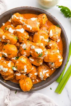 These buffalo chicken meatballs are super tender and moist, coated in a creamy buffalo sauce and drizzled with ranch. Spinach Recipes, Veggie Recipes, Paleo Recipes, Free Recipes, Paleo Food, Veggie Food, Chicken Meatball Recipes, Healthy Chicken Recipes, Buffalo Chicken Meatballs