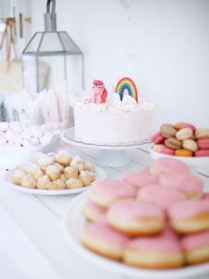 Juhlahumua! // Uusi Kuu Kuu, My Little Pony Cake, Diy Party Decorations, Celebration, Snacks, Breakfast, Food, Morning Coffee, Appetizers
