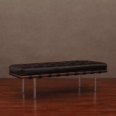 Otto bench mantel