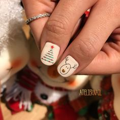 Train as a nail artist for Christmas and get hot orders right after training! In 2020 with a new profession! Christmas Nail Polish, Cute Christmas Nails, Xmas Nails, Christmas Nail Designs, Christmas Nail Art, Gelish Nails, Nail Manicure, Diy Nails, Minimalist Nails