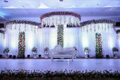 When you're looking for flower decorators in Hyderabad or Wedding Stage Decoration, choose the best professionals. Mars Event Planner would help make your perfect celebration happen in a unique and luxurious style. Rustic Country Wedding Decorations, Country Wedding Flowers, Wedding Reception Table Decorations, Wedding Flower Decorations, Wedding Blue, Trendy Wedding, Summer Wedding, Flowers Decoration, October Wedding