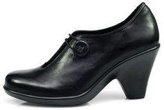 http://www.clog-heaven.com/servlet/the-1340/Dromedaris%2C-Eco-Friendly%2C-Marrakesh%2C/Detail    DROMEDARIS MARRAKESH NAOMI - BLACK LEATHER Button pumps heels high buttons