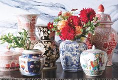 Can't get enough of the contrast between bright pink and red blooms with the classic blue and white Chinoiserie. White Kitchen Decor, Chinoiserie Chic, Blue China, Ginger Jars, Luxury Furniture, Furniture Design, White Porcelain, Bunt, Oriental
