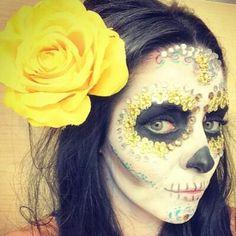 Ariadne Diaz ❤❤❤ Ariadne Diaz, Jennifer Lawrence, Famous People, Celebrations, Halloween Costumes, Halloween Face Makeup, Crafty, Heart, Women